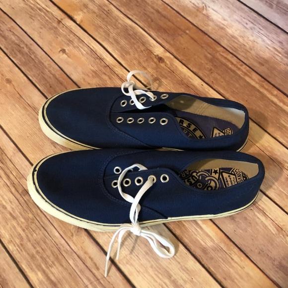 3cde88805c11d Rare Vintage Converse Deck shoes unworn